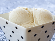 Rich Vanilla Ice Cream