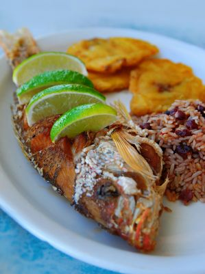 turquoise-water-whole-fried-fish