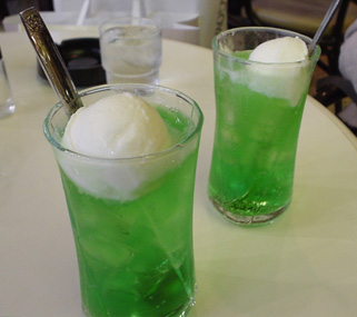 How To Make an Ice Cream Soda