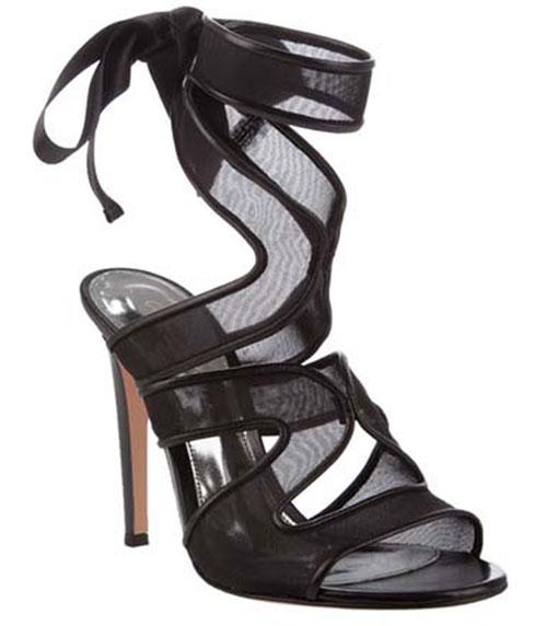 Mesh strap heel