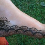 cute mehndi design for feet