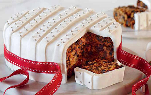 Traditional English Christmas Cake Recipe