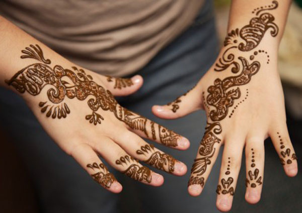 Simple and Beautiful Mehndi