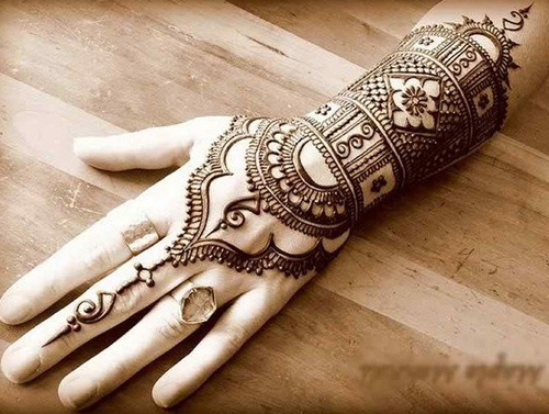 beautiful mehndi designs for hands