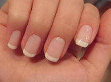 However, it is common to do a French manicure on natural nails. French manicures are made with artificial nails. You can easily do this at home with following step by step French Manicure Tutorial.