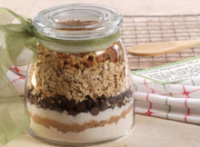 How to Make Chocolate Cookie Mix in a Jar
