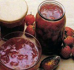 Easy Strawberry Jam Recipe without Pectin