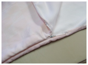 baby-sleeping-bag-zipper