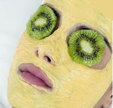 Kiwi and Papaya Face Mask