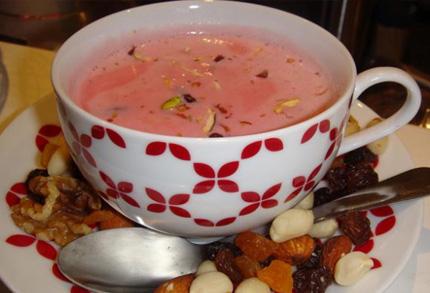 How to Make Easy Pink Kashmiri Tea