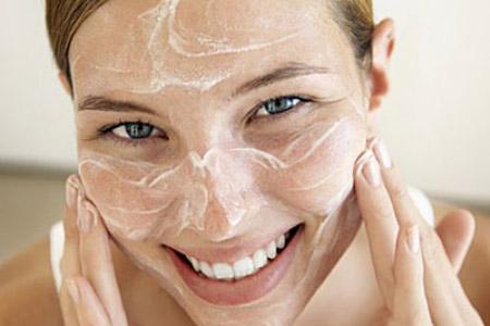 How to Make Scrub and Lemon Squash for Glow Skin
