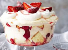 Strawberry Cheesecake Trifle