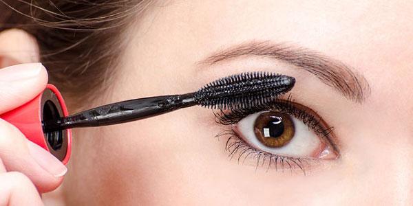 Professional Tips Applying Mascara