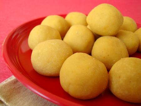 Besan ke Ladoo Recipe in English