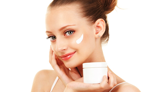 How to Apply Anti-aging Cream
