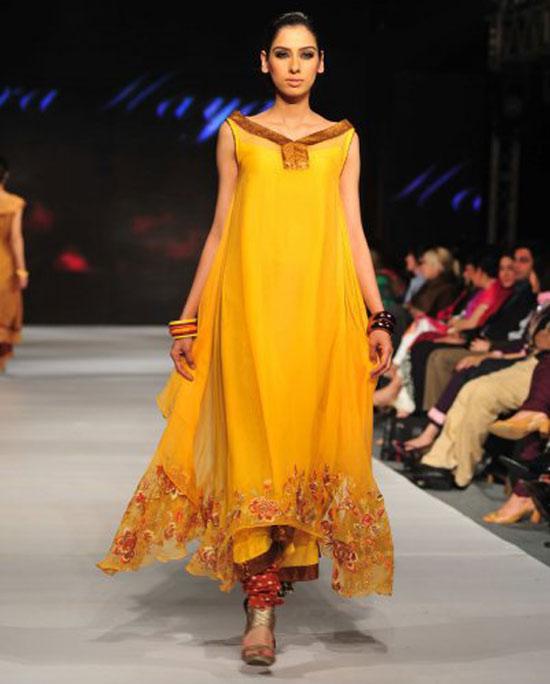 mehndi beautiful dress 2